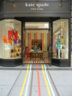 Kate Spade - Storefront, Flagship Kate Spade store on 5th Ave. between 20th and 21st.