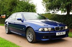 BMW M5 E39 (Blue). V8 4-door. The E39 M5 uses theS62V8 engine, which produces 294kW (400PS; 394bhp).