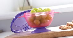 Feeding collection - Munchkin - a range of feeding bowls for weaning babies, toddlers and yound children
