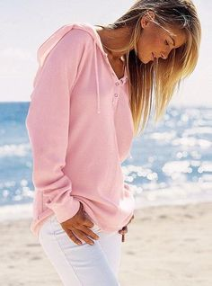 Cute pink sweater and white jeans..just too cute