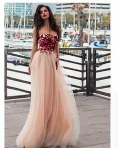 Unique Tulle Strapless Neckline A-line Prom Dress With Lace Appliques