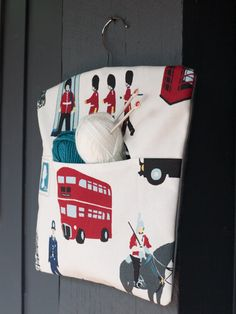 Fabric handmade London icons peg by freshdarling on Etsy London Icons, London Bus, Wooden Coat Hangers, Vintage Style, Vintage Fashion, Clothespin Bag, Peg Bag, Knitted Bags, Printed Cotton