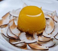 Quindim - Doce de coco com gema de ovo - Quindim - coconut sweet with egg yolk