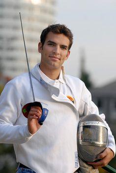 Szilágyi Áron hatalmas sikert ért el a londoni olimpián, hiszen ő szerezte a magyar delegáció első aranyérmét - London2012 :)