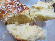 Ζουζουνομαγειρέματα Greek Cookies, Greek Recipes, Camembert Cheese, Recipies, Food And Drink, Dairy, Easter, Bread, Cooking