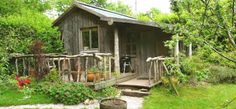 1 JCK cabin garden with barbecue