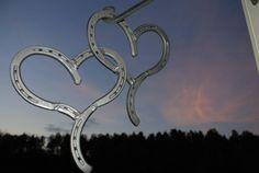 Some amazing horseshoe art my boyfriend does