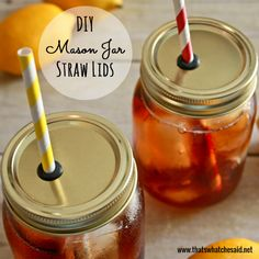 DIY your very own mason jar straw lids using a simple driil and grommets from the hardware store! Make your own Mason Jar Straw Lids! Perfect for keeping the… Mason Jar Cup, Mason Jar With Straw, Mason Jar Drinks, Mason Jar Lids, Mason Jar Drinking Glasses, Mason Jar Party, Mason Jar Projects, Mason Jar Crafts, Diy Projects