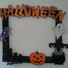 Planche de décoration Halloween - Carol a crazy girl Halloween Picture Frames, Photo Halloween, Halloween Crafts For Kids, Halloween Pictures, Halloween Birthday, Halloween Activities, Diy Halloween Decorations, Holidays Halloween, Halloween Dance