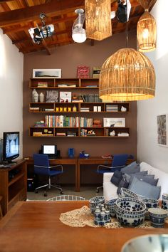 Living + home office Small Space Living, Small Spaces, Sweet Home, Industrial House, Home Studio, Beautiful Architecture, Home Office, Little Houses, Living Room Decor