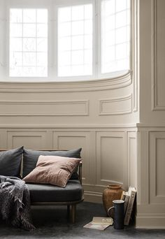 Cheap Home Decor Interesting curved window panelling pink cushion.Cheap Home Decor Interesting curved window panelling pink cushion Living Area, Living Spaces, Living Room, Murs Beiges, Jotun Lady, Trending Paint Colors, Home Decoracion, Pink Cushions, Interiores Design