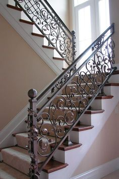 Wrought Iron Stairs Railing Scroll 45 New Ideas Staircase Railing Design, Wrought Iron Staircase, Wrought Iron Stair Railing, Balcony Railing Design, Wrought Iron Decor, Home Stairs Design, Traditional Staircase, Iron Balcony, Glass Balcony