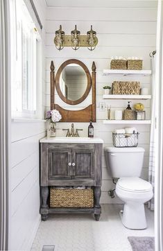 Nice 60 Farmhouse Small Bathroom Remodel and Decor Ideas https://homemainly.com/603/60-farmhouse-small-bathroom-remodel-decor-ideas