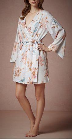 Super cute 'getting ready' robes - for the bridal party / Plum Pretty Sugar