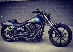 #FXSB #harleydavidsonmotorcycles #breakoutfriends #harley #breakout #custom #harleydavidsonbreakout #softail #motorcycle #harleydavidson #harleycustom #softailbreakout #softail #cvobreakout #custombike #chopper #harleyexhaust #motorcycle #softailcustom #vanceandhines by harley_davidson_breakout