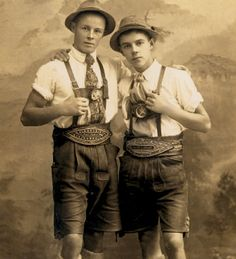 How one Bavarian changed the course of history for the German Oktoberfest Lederhosen. Plus 3 crazy facts about the traditional Bavarian leather pants Costume Bavarois, Vintage Photographs, Vintage Photos, German Costume, German Oktoberfest, German Men, German Fashion, Folk Costume, Gay Couple