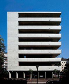 """Résultat de recherche d'images pour """"Quaterie Morenal luigi snozzi"""" Brick Architecture, Architecture Images, Interior Architecture, Building Facade, Building Exterior, Building Design, Luigi Snozzi, Facade Design, Modern Buildings"""