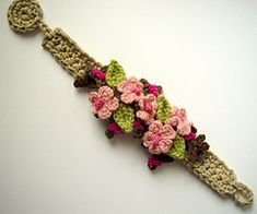 meekssandygirl's Crochet Cherry Blossom Sakura Bracelet: no pattern, swEEt inspiration! Cherry Blossom Sakura Bracelet: this would be a cute headband simple crochet flower bracelets – Cute Pins For You :) a knit and crochet community Bracelet Crochet, Flower Bracelet, Crochet Earrings, Crochet Video, Easy Crochet, Crochet Lace, Crochet Jewelry Patterns, Crochet Accessories, Crochet Jewellery