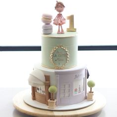 Ladurée und Paris Bäckereien thematische Geburtstagstorte, Bottom Tier Inspiration: Ditt … – Chef Jonas and foodanddrinks 2019 Bolo Paris, Cake Paris, Parisian Cake, Themed Birthday Cakes, Themed Cakes, Pretty Cakes, Beautiful Cakes, Fondant Cakes, Cupcake Cakes