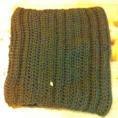 Πλεκτος λαιμός με βελονακι...crochetcowl dark green Cowls, Beanie Hats, Knitted Hats, Knitting, Fashion, Moda, Tricot, Fashion Styles, Breien
