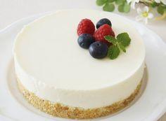 Sütés nélküli, hűtött sajttorta – könnyű, krémes Hungarian Cake, Hungarian Recipes, Hungarian Food, Cheesecakes, Baked Goods, Smoothies, Cake Decorating, Baking, Flat Lay