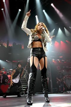 Miley Cyrus whips her hair on Gypsy Heart Tour