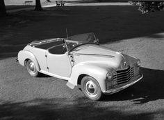 AWA car radio in Vauxhall. Max Dupain photo, c 1951.