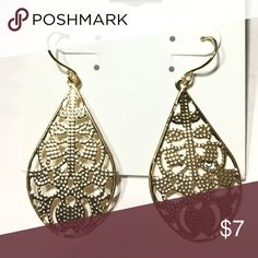 NEW gold tone earrings Picture doesn't do it justice! Gold color would be great as part of your fall wardrobe! When you bundle 3 or more items from my closet, you get 15% off, you only pay shipping ONCE, and you get a FREE jewelry accessory item! Pure Expressions Jewelry Earrings