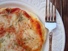 Bocadinhos de Açúcar: Pizza de mozarella e alecrim
