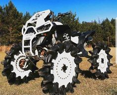 Awesome 4 wheeler but the tires are odd. Jacked Up Trucks, Lifted Cars, Cool Trucks, Cool Cars, Chevy Diesel Trucks, 4x4 Trucks, Blitz Motorcycles, Cars And Motorcycles, Custom Motorcycles