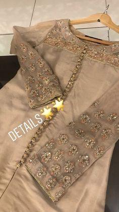 Best 12 56 Best Ideas for wedding dresses chiffon slit – SkillOfKing. Pakistani Fashion Party Wear, Pakistani Formal Dresses, Pakistani Wedding Outfits, Pakistani Dress Design, Indian Designer Outfits, Indian Outfits, Designer Dresses, Fashion In, Indian Fashion