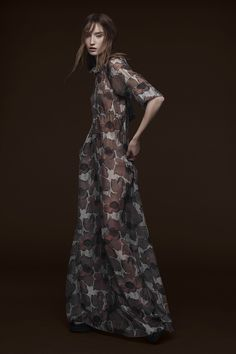 Vera Wang Pre-Fall 2015 - Photo: Courtesy of Vera Wang (=)