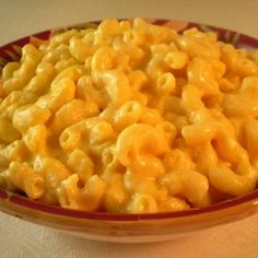 "Paula Deen's Slow Cooker Macaroni And Cheese.. great for a tailgate or ""tablegate"" party this winter!"
