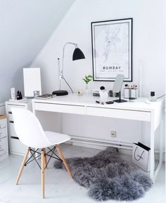 31 White Home Office Ideas To Make Your Life Easier; home office idea;Home Office Organization Tips; chic home office. Home Office Design, Home Office Decor, House Design, Office Ideas, Office Furniture, Office Rug, Office Chic, Office Designs, Desk Decor Teen