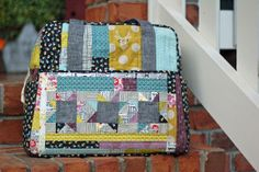 Great tips for making the Weekender Bag pattern from Amy Butler, Providence Handmade: Oh, Weekender.
