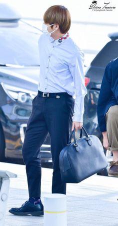 ~[28/04/17] Leaving Incheon Airport~ ©Divine Treasure #V #KimTaehyung #TaeTae #BTS #LeavingIncheonAirport