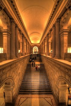 Metropolitan Museum, NY... Anytime I needed an escape, to get re inspired I found myself walking up those stairs..