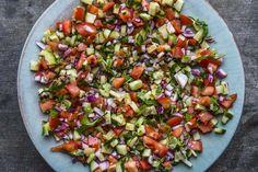 Klassisk marokkansk tomat- og agurk salat – Aichas Mat