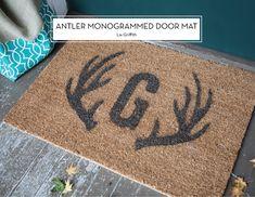 15 DIY HOLIDAY GIFTS – Antler Monogrammed Door Mat