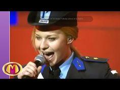 Mega Mindy - Ik Ben Mega Mindy (De Grote Sinterklaasshow 2006) - YouTube