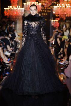 Couture F/W 2014-15 Elie Saab See all fashion show at: http://www.bookmoda.com/?p=21682 #hautecouture #fall #winter #FW #2014 #2015 #catwalk #fashionshow #womanswear #woman #fashion #style #look #collection #paris #eliesaab @eliesaab