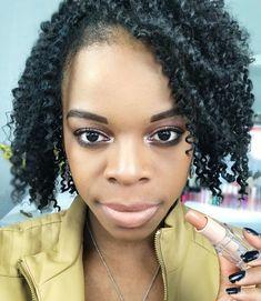 light-pink-lip-gloss-more-popular-than-ever - More Beautiful Me 1 Pink Matte Lipstick, Lipstick For Dark Skin, Green Lipstick, Pink Lipsticks, Hot Pink Lips, Blue Lips, Glossier Lip Gloss, Whitening Face, Velvet Teddy