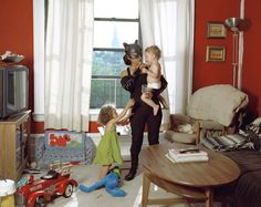 Minerva Valencia from Puebla works as a nanny in New York. She sends 400 dollars a week.