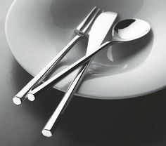 Beautiful cutlery designed by famous japanese architect Toyo Ito for Alessi. I always used to love Alessi products even as a child. Toyo Ito, Cutlery Set, Flatware, Silver Cutlery, Kitchen Tools, Kitchen Gadgets, Kitchen Knives, Kitchen Utensils, Kitchen Appliances