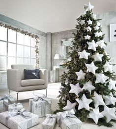 decoración de navidad en blanco