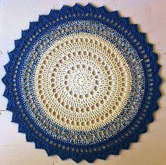 Crochet Mandala Rug Pattern by Marinke Slump Crochet Rug Patterns, Crochet Motifs, Crochet Squares, Crochet Round, Crochet Doilies, Knit Crochet, Free Crochet, Ravelry Crochet, Mandala Au Crochet