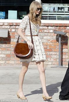 How have I not pinned this already?? Taylor Swift wears a vintage crochet dress while antiquing in Ventura (Jan 2012)