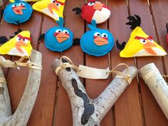Cute idea, I should get my husband to make the slingshot and ill make the angry birds for our son, would be too cute :)