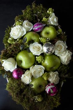 Inspired by Green Apples/Holiday. Design by Libbie Summers for Salted and Styled. Photography by Chia Chong