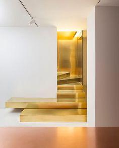 marooshka1Statement Staircase @golran1898 @storageassociati #golran #golranmilano #architect #architecture #modernarchitecture #interiors #interiordesign #decor #design #designer #moderninteriors #milan #milano #italy
